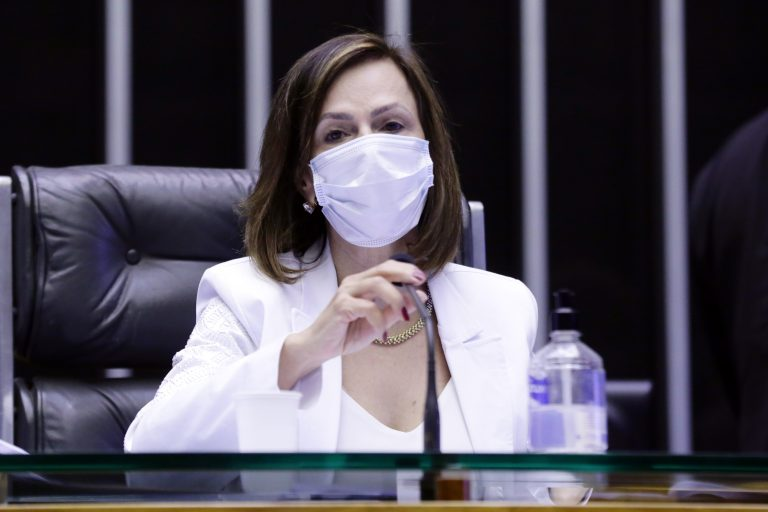 """Foi a relatora da matéria, deputada Dorinha Seabra (DEM-TO) que fez uma alteração no texto para que """"revitimização"""" fosse definido como """"discurso ou prática institucional que submeta à vítima ou a testemunha a procedimentos desnecessários"""""""