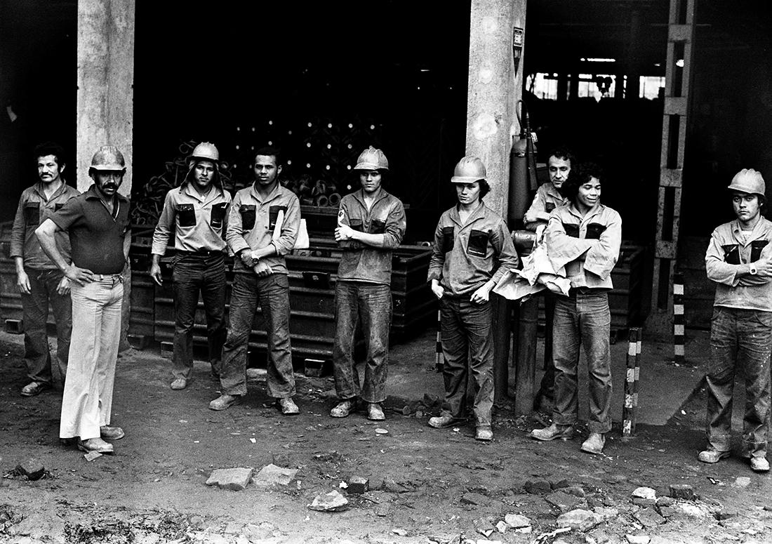 Metalúrgicos da Villares Metals Connect durante paralisação em 1978