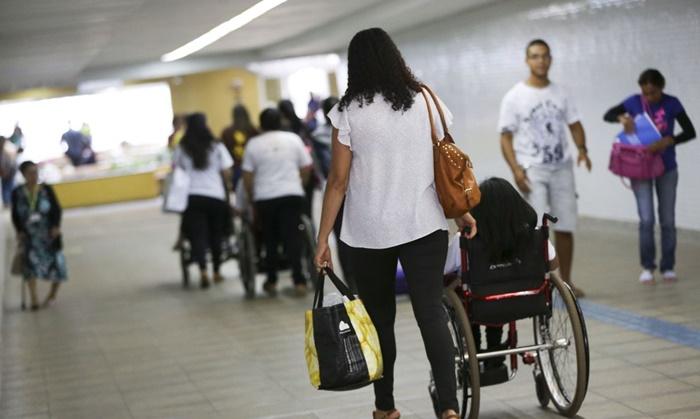 A Coordenação de Pessoas com Deficiência (Promodef) do DF realiza atividades em comemoração ao Dia Nacional de Luta da Pessoa com Deficiência, na estação 112 Sul do metrô