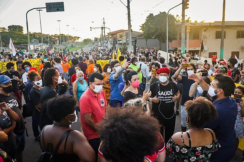 Moradores foram as ruas em protesto mais de uma vez desde o ocorrido