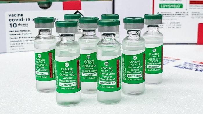 Com intervalo maior entre as doses,todo o lote do imunizante será distribuído para aplicação imediata
