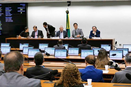 Atraso na votação do Orçamento asfixia educação federal | Foto: Roue de Sá/ Agência Senado