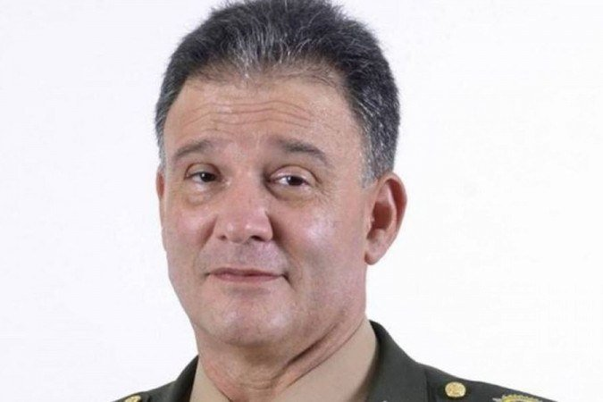 O general Souza, coordenador do Enem, morreu de covid na segunda-feira, em meio à pressão para realizar as provas