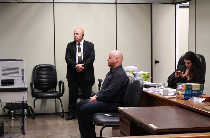 Durante o julgamento, Santos (C) confirmou ter atingido agricultor com tiro de espingarda pelas costas
