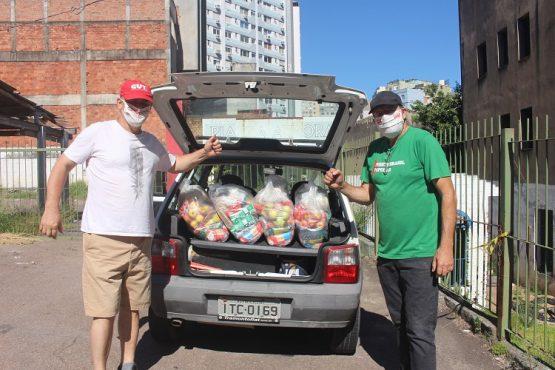 Sindicatos entregam mais de 150 toneladas de alimentos | Foto: Divulgação/CUT/RS
