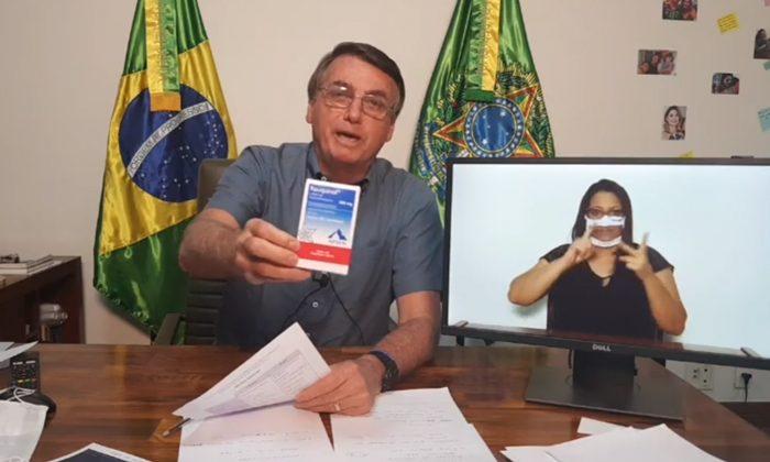 Doutor Morte: Bolsonaro recomenda cloroquina de forma explícita, mesmo sabendo que o remédio pode ser fatal para pacientes covid-19