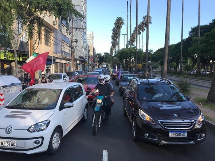 Carreata de 23 de janeiro mobilizou mais de mil veículos pelas ruas de Porto Alegre