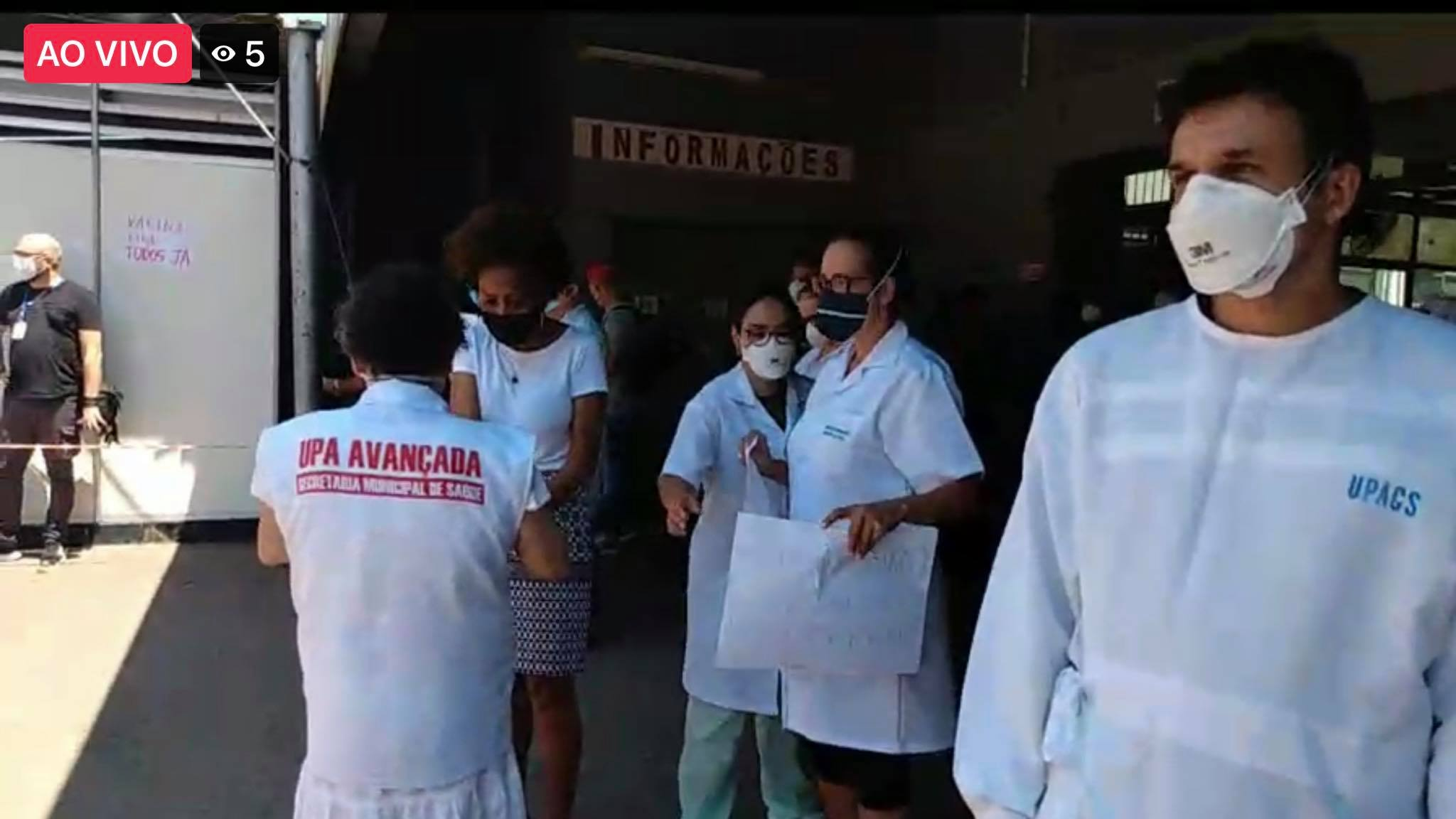 Profissionais da saúde fazem ato no Posto da Vila Cruzeiro, em Porto Alegre (2)