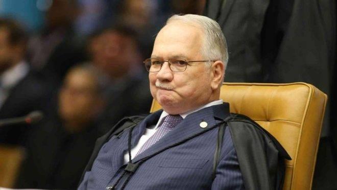 """""""Caros, conversei 45 minutos com o Fachin. Aha uhu o Fachin é nosso"""", celebrou Deltan em mensagens via Telegram reveladas em julho de 2019, pela revista Veja em parceria com o The Intercept Brasil, no que ficou conhecido como """"Vaza-Jato""""."""