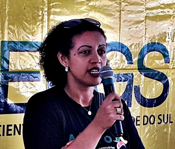 Secretarias desrespeitaram a legislação do próprio governo, aponta Angela, do Sintergs