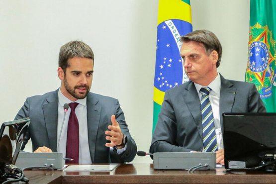 Conforme se aproximam as eleições de 2022, piora a relação de Bolsonaro com Leite e outros governadores. O principal motivo é a recorrente terceirização da responsabilidade pela ineficiência da das políticas do Planalto para mitigar danos econômicos da pandemia que atingem pequenos e médios empresários