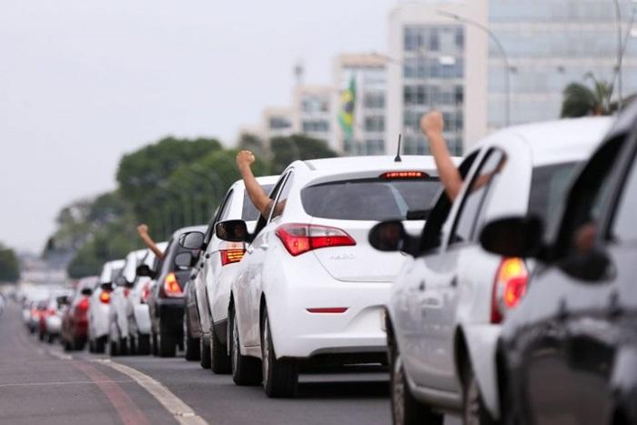 Carreata de motositas de aplicativos durante a greve de 23 de feveriro na Explanada dos Ministérios, no DF