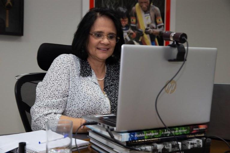 Ministra da Mulher, Família e Direitos Humanos Damares Alves