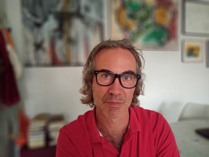 """Bruno Paes, autor do livro A República das milícias: """"A ligação entre Bolsonaro e as milícias é ideológica"""""""