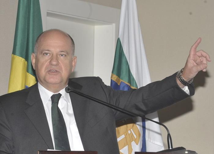 """""""Tem que ter uma cabeça muito pequena para não ver que um centro de pesquisa como o Cepel é importante e estratégico"""", critica Zimmermann, ex-ministro de Minas e Energia"""