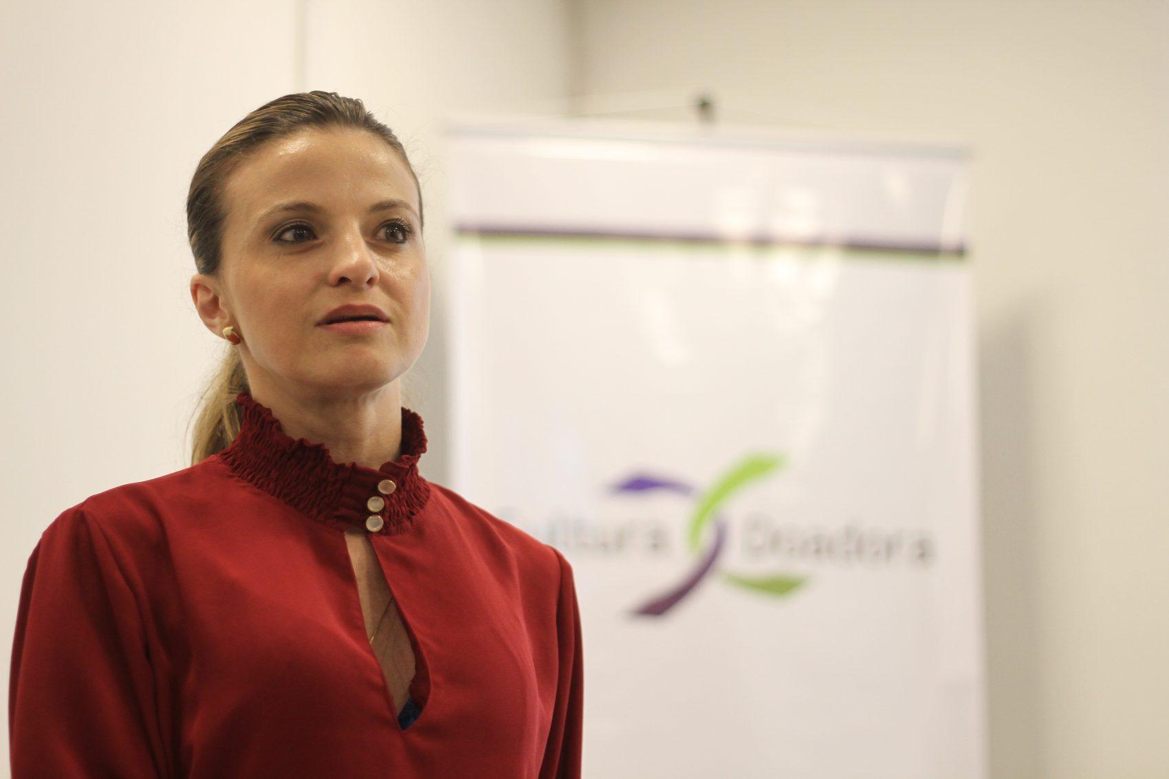 Tatiane Michelon, a equipe de transplante renal do Hospital de Clínicas de Porto Alegre