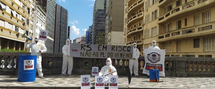 Manifestação da Frente Cidadã Contra os Agrotóxicos na capital gaúcha, em dezembro de 2020