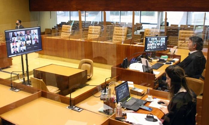Fux decidiu levar o julgamento ao plenário depois de votos divergentes de Marques e Mendes