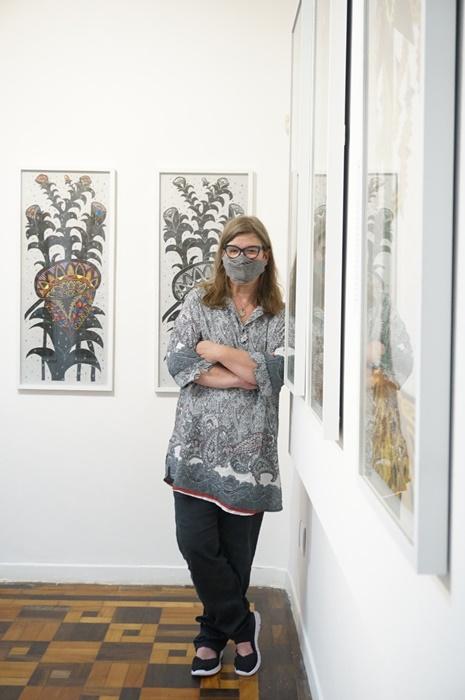 Formada em artes plásticas na Feevale, a artista plástica e especialista em artes visuais e história da arte, Cláudia Sperb, tem exposições em diversos países e importantes premiações como o Açorianos de Artes Plásticas