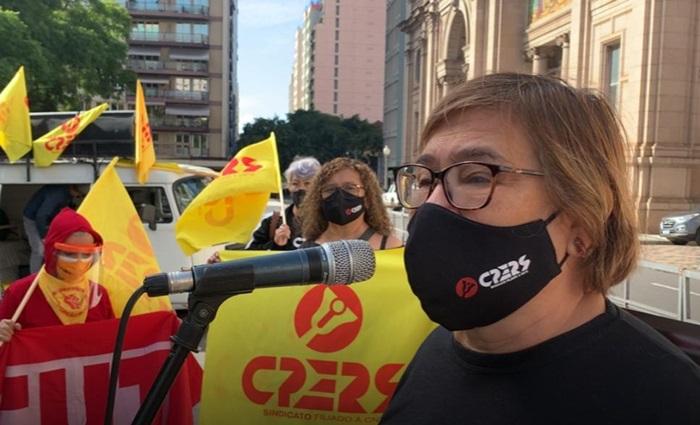 """Elenir Schürer, presidente do Cpers-Sindicato: """"governo não cumpre liminar e ainda tenta driblar a decisão da justiça"""""""
