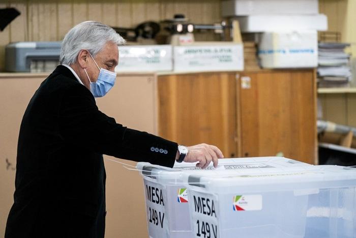 Sebástian Piñera, presidente do Chile, durante a votação no plebiscito sobre a nova Constituição do país em outubro