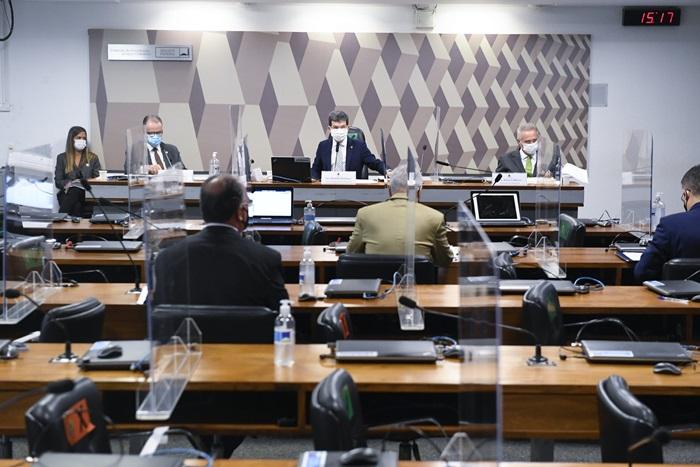 Sessão foi marcada por intervenções da tropa de choque de Bolsonaro no Senado