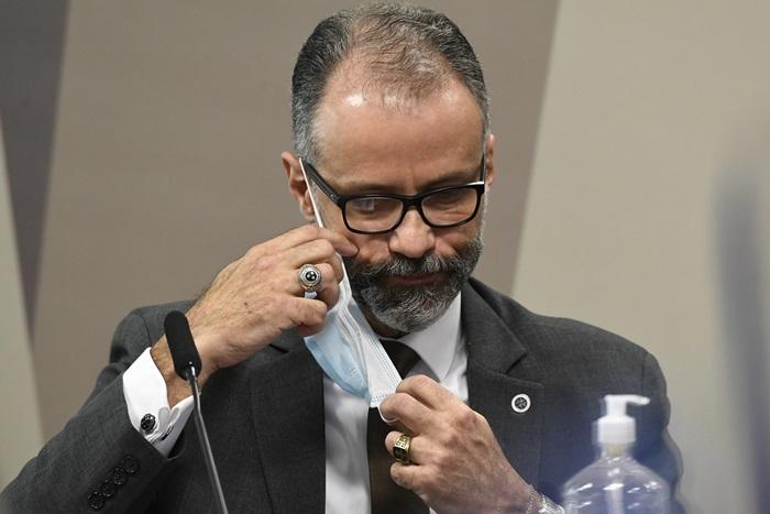 """Barra Torres: """"Só quem pode modificar a bula é a Agência, desde que requisitado pelo desenvolvedor do medicamento. Não tem cabimento"""""""