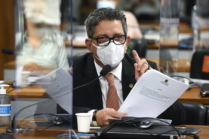 Senador Rogério Carvalho (PT) mostrou áudio para contestar informação do ex-secretário da Secom