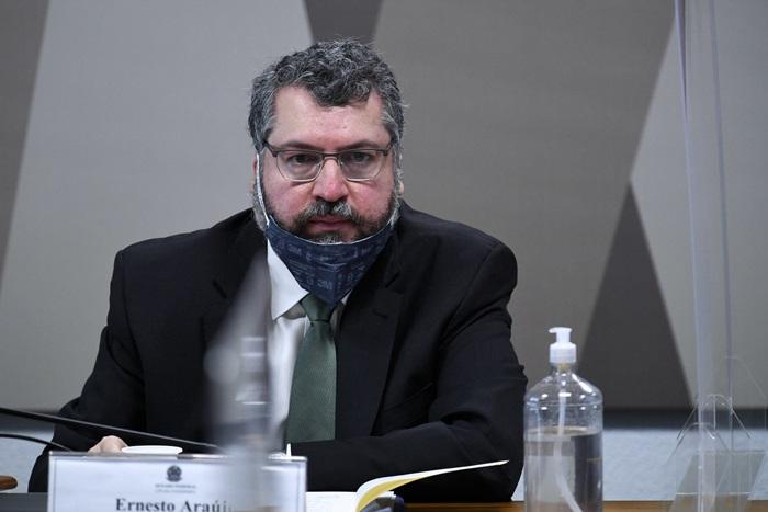 """Autor de um artigo que menciona """"comunavírus"""", Araújo negou à CPI ter criado incidentes diplomáticos com a China"""