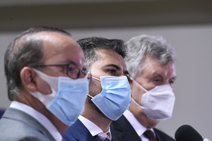 Senadores Jorginho Mello (PL-SC), Marcos Rogério (DEM-RO) e Carlos Heinze (PP-RS): a baixa voltagem da tropa de choque de Bolsonaro na CPI provocou risos com argumentos falsos sobre a vacina chinesa