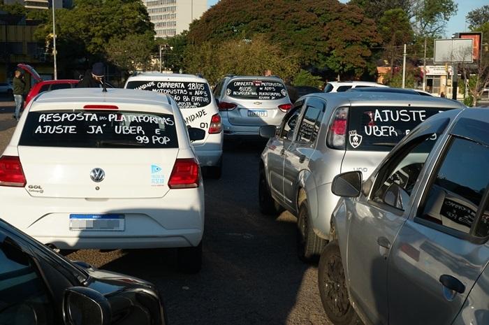 Motoristas realizaram carreata antes das audiências medidas pelo TRT4