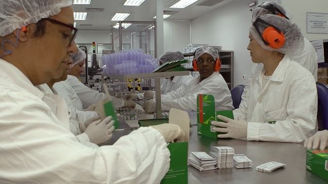 A Coronavac é produzida com fragmentos inativados do vírus incapazes de se reproduzir