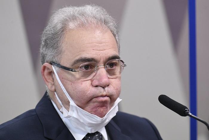 Ministro da Saúde, Marcelo Queiroga teria comandado negociação que superfaturou lote de vacinas