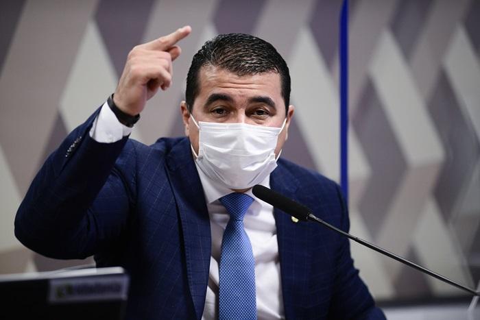 """""""Ele falou: vou acionar o diretor-geral da PF, porque, de fato, é muito grave o que está ocorrendo"""", detalhou Miranda, ao descrever a reação de Bolsonaro"""