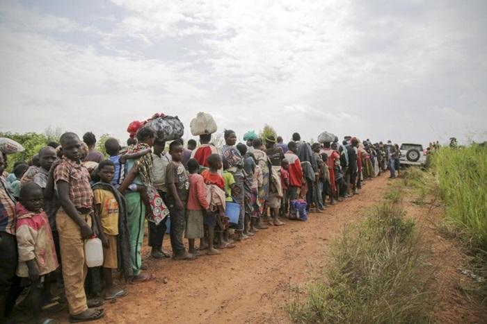 Meninas e meninos com até 18 anos de idade representam 42% de todas as pessoas forçadas a se deslocar: 1 milhão nasceram como refugiadas em 2018 e 2020