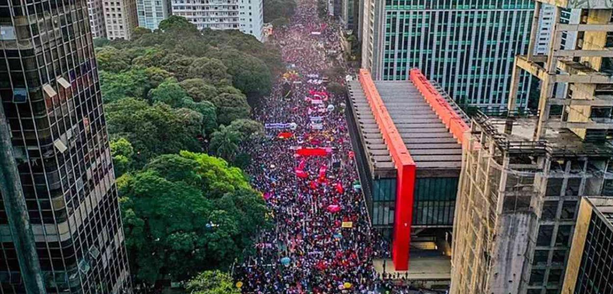 Avenida Paulista no dia 29 de maio durante atos contra Jair Bolsonaro