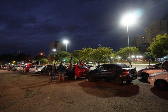 Motoristas de aplicativos protestam em Porto Alegre | Foto: Igor Sperotto