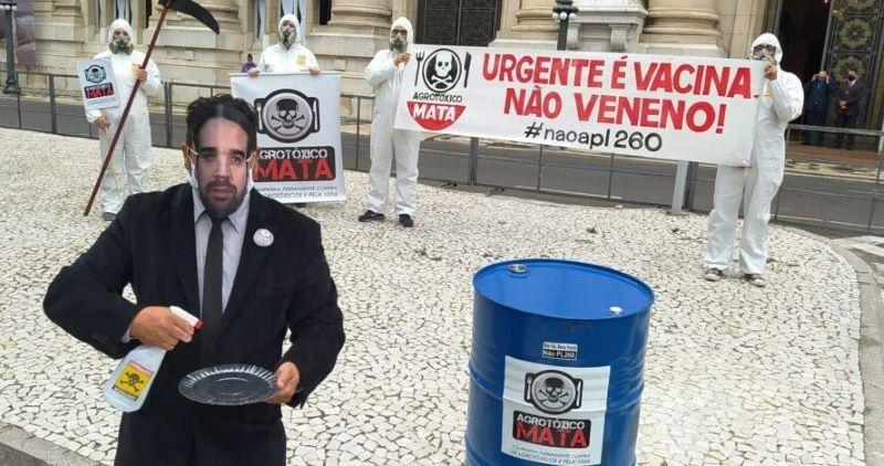 Aprovação frustrou ambientalistas e movimentos sociais que vinham protestando contra o PL