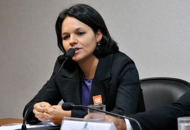 """Para a procuradora Luciana Loureiro, não há justificativa para as inconsistências na negociação """"a não ser atender a interesses divorciados do interesse público"""