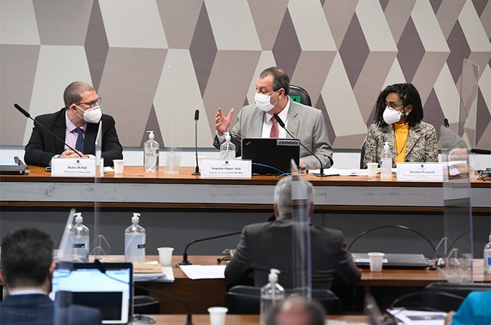 Hallal, com Aziz e Jurema Werneck: país só sairá da pandemia com vacinação em massa e lock down de três semanas
