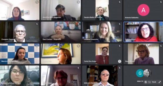 Diretoras do Sinpro/RS e do Cpers tomam posse como conselheiras | Foto: CEEd/RS/ Reprodução
