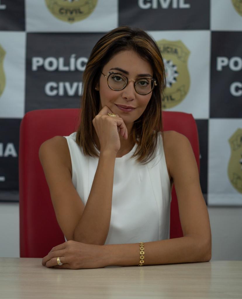 Delegada Andrea Mattos, diretora da Divisão do Idoso e Combate a Intolerância da Polícia Civil