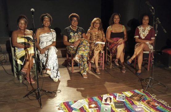 Livro reúne textos de seis escritoras negras | Foto: Libretos/ Divulgação