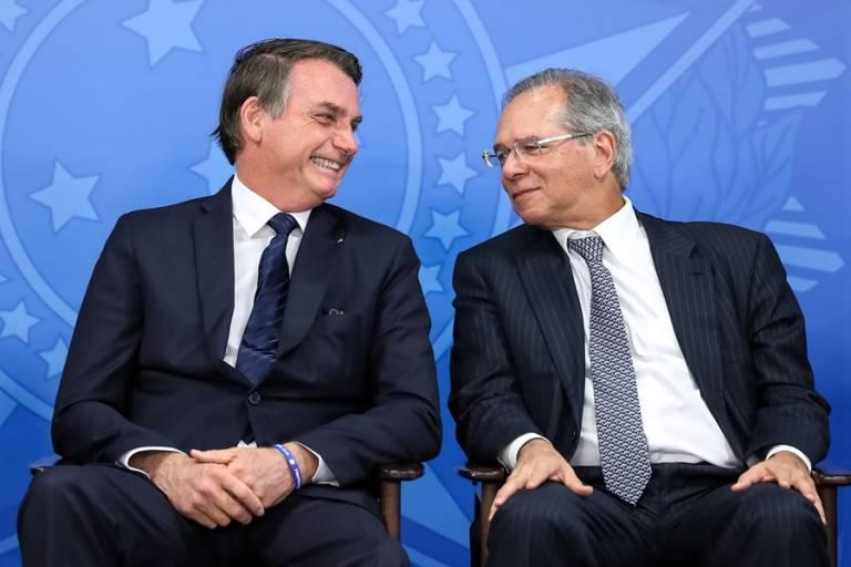 Presidente da República Jair Bolsonaro e o ministro da Economia Paulo Guedes, principais responsáveis pela estratégia econômica de combate à pandemia