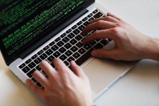 Empresas e organizações que descumprirem a Lei Geral de Proteção de Dados já podem ser multadas | Foto: FreePik