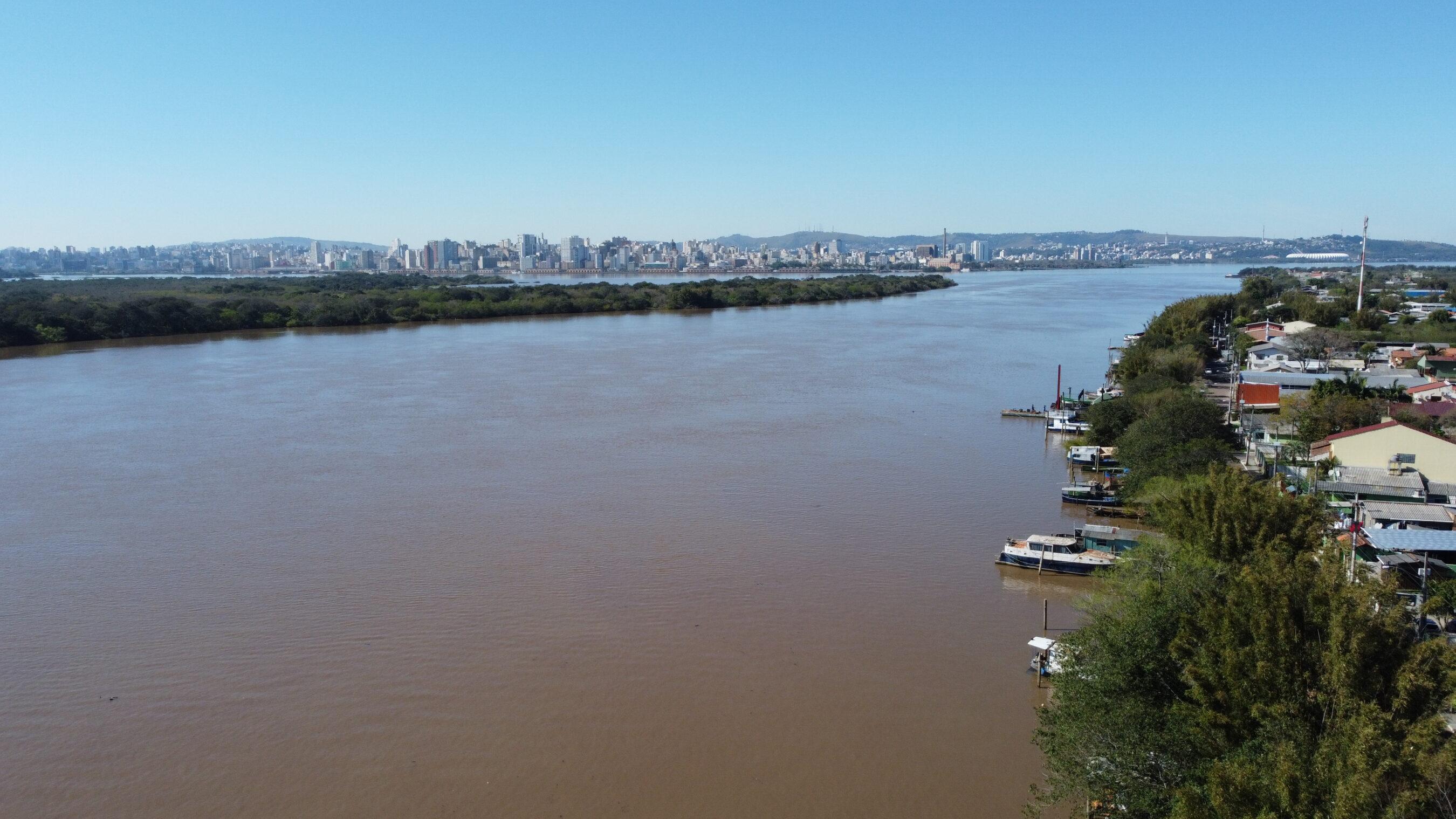 Segundo o IBGE, três rios gaúchos que desaguam no Guaíba (fotos) estão entre os dez mais poluídos do país: Sinos e Gravataí, respectivamente, o quarto e o quinto, e o Caí, o oitavo
