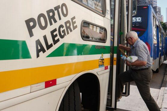 Sinpro/RS defende desconto na passagem de ônibus a professores | Foto: Luciano Lanes/PMPA