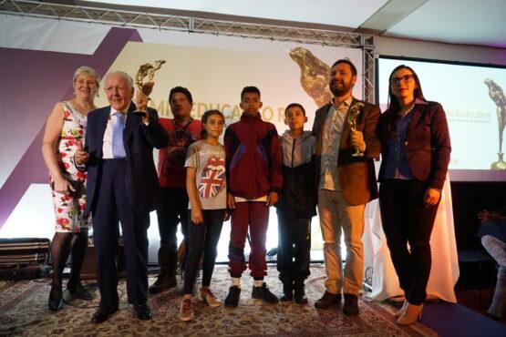 Margot Andras (esq) com os laureados na edição de 2019 do Prêmio Educação RS