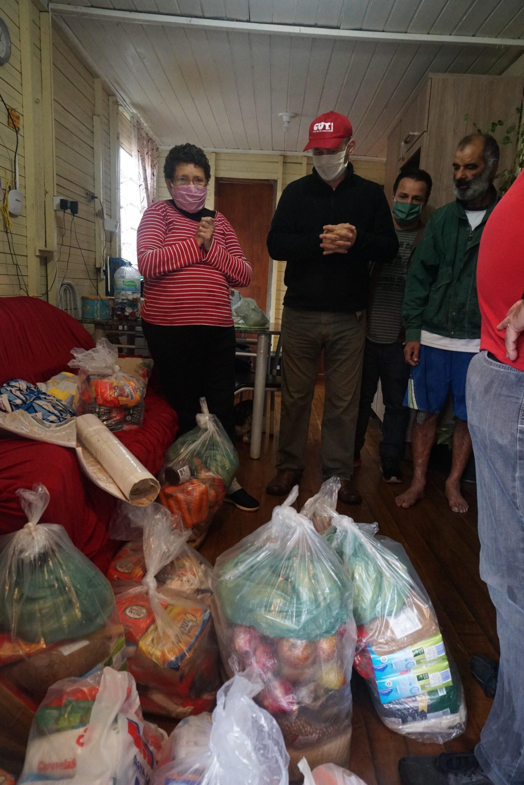 Mais de 195 toneladas de alimentos foram entregues pela CUT e sindicatos afiliados