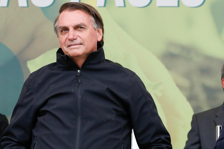 """Jair Bolsonaro: """"já tenho vontade de privatizar a Petrobras, tenho vontade. Vou ver com a equipe da economia o que a gente pode fazer"""", disse em entrevista à rádio evangélica Novas de Paz, de Pernambuco"""